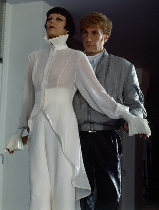 1993-claude-montana-wallis-franken-fitting-4-the-wedding