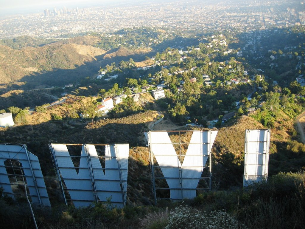 hollywood sign hollywood sign access road to hollywood sign fayeruz fayeruz regan