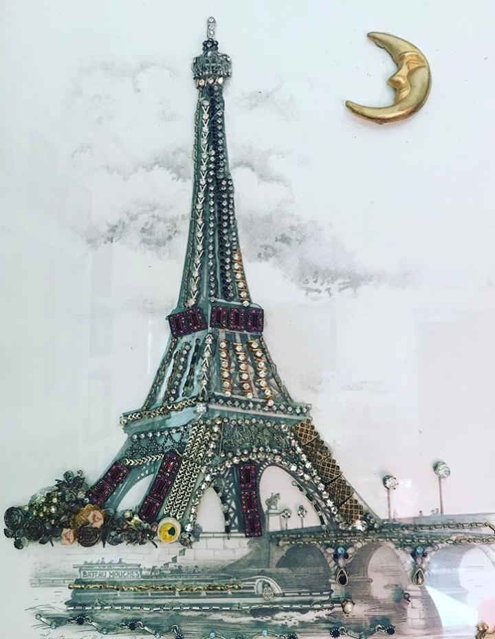 Eiffel tower jewelry art