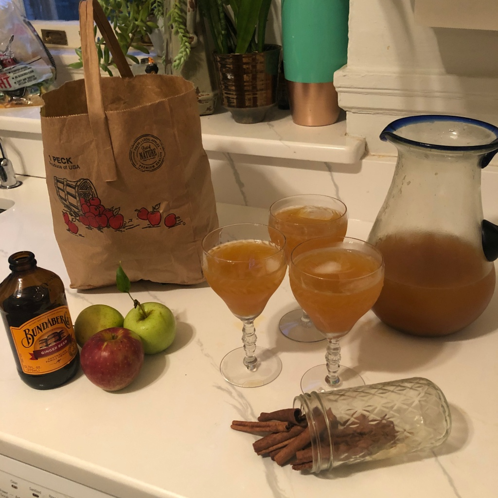 fall apple cocktail